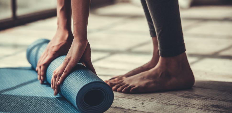 Como cuidar do mat, o tapete para praticar ioga