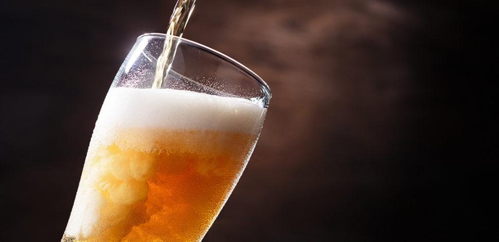 Tomar cerveja prejudica o treino? Saiba quando a bebida pode atrapalhar sua rotina saudável