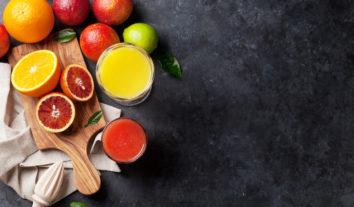 Descubra os benefícios dosuco de frutaspara um plano alimentar